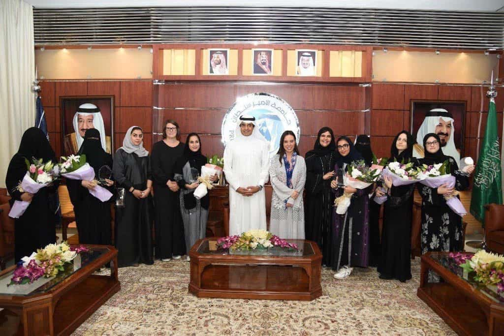 """To Mark """"Year of Zayed'' with Participation of 300 Exhibitors, University President Honors First Place Winners of Light.ication V3.0"""